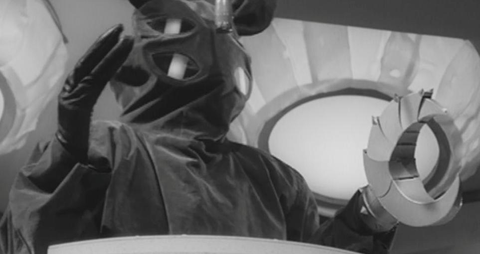 The Golden Bat (1966) - still 2