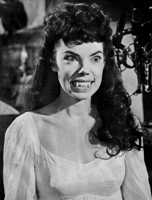 The Brides of Dracula (1960) - promo still